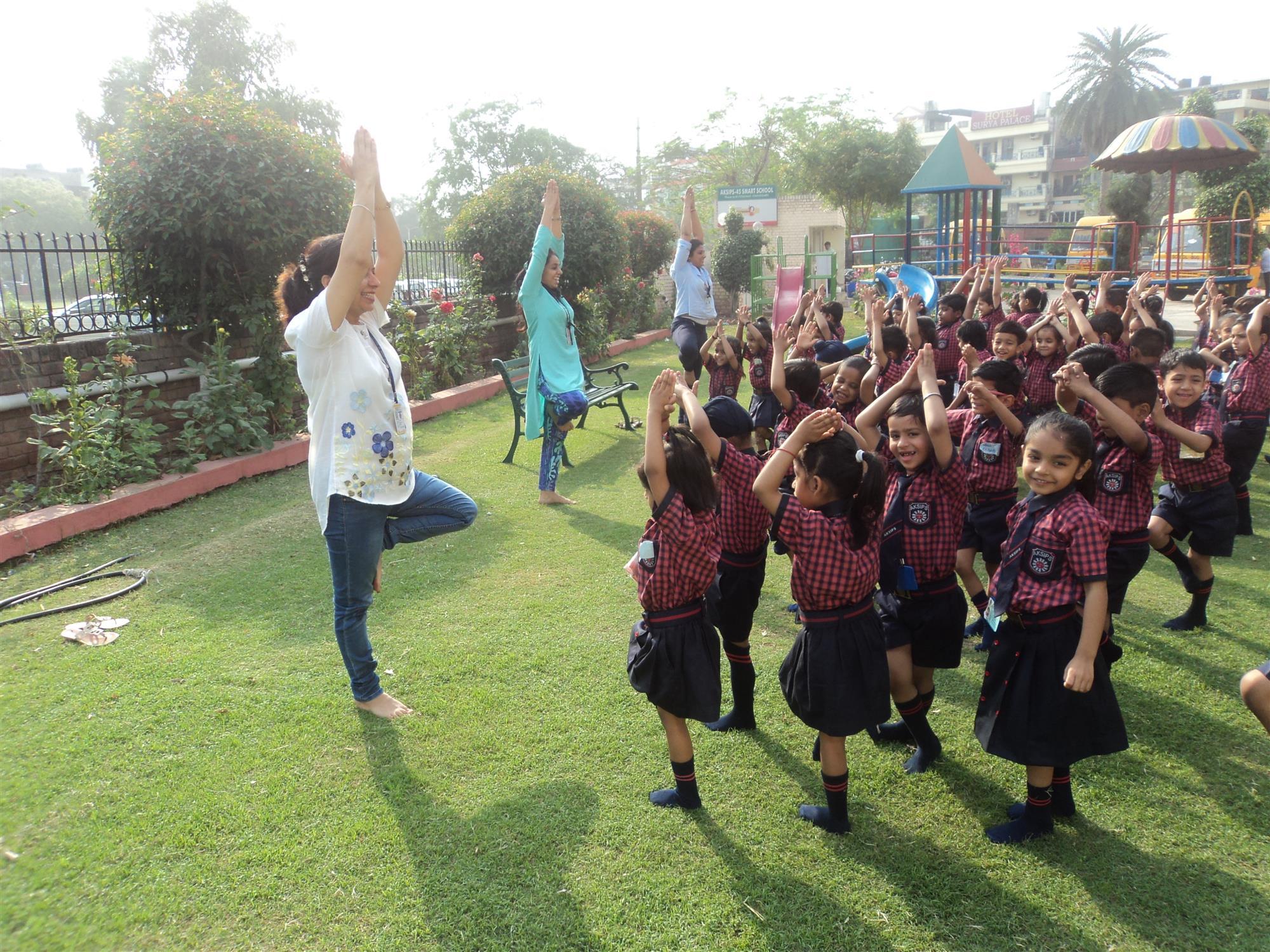Garden Yoga | AKSIPS 45 Chandigarh